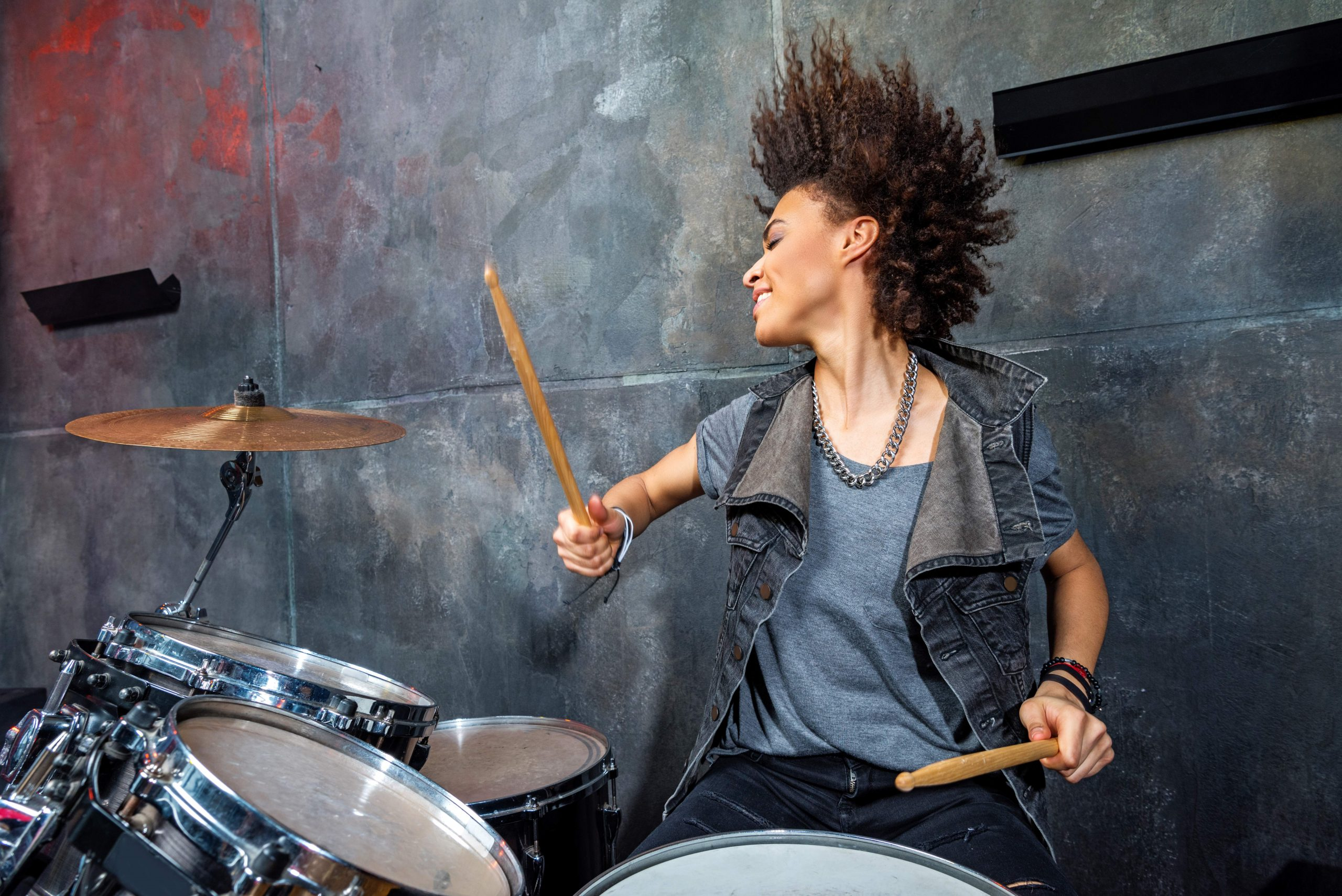 Empower Girls who Climb trees Image Drummer